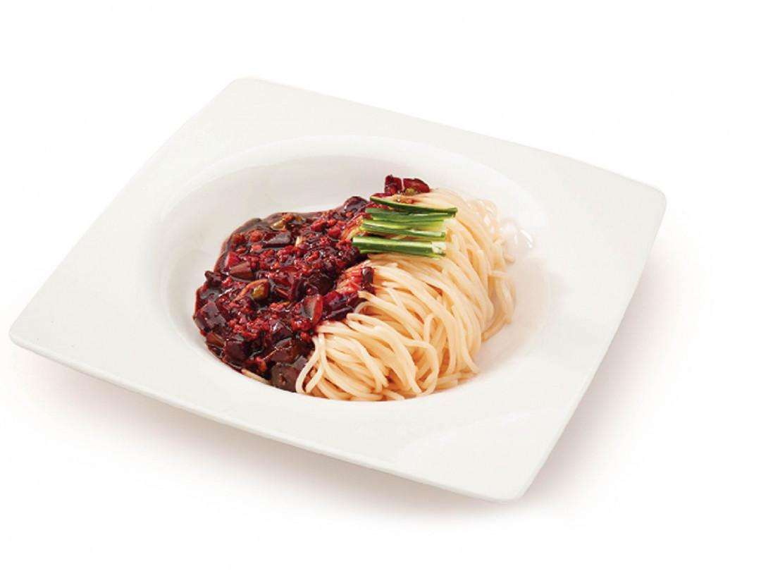 บะหมี่ราดซอสดำสไตล์เกาหลี(จาจางเมียน)